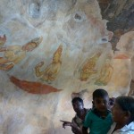 Fresques  très visitéees par les sri lankais auitant que par les touristes!
