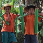 Jeunes musicien de bambou
