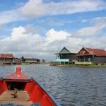 Village flottant sur le lac Tempe