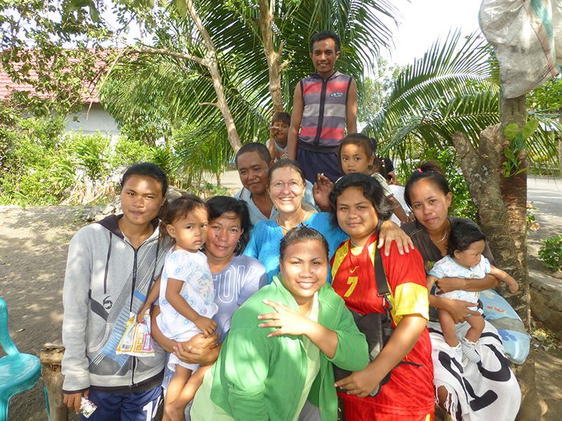 Avec la famille de pêcheurs de Bathu Puti
