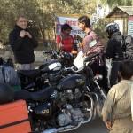 Arrêt au temple de la moto