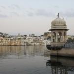 Citée blanche depuis les ghats