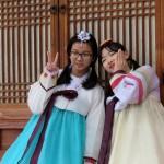 Pose à la corééenne!