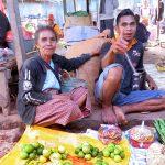 Un  marché au Timor