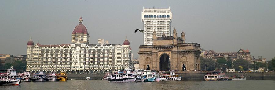 Indian Gate et Taj Mahal vu depuis le bateau