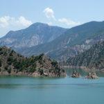 Lac de retenue d'eau du au barrage