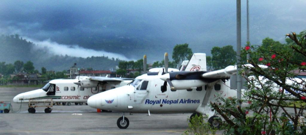 Aterrissage à Pokhara