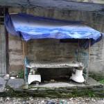 """Banc public """"récup"""" - Népal près de la frontière chinoise"""