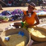 Maïs au marché de Belo sur Tsiribihine