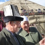 Asanova et sa femme découvrent leur photo