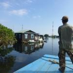 Arrivée dans un village flottant du Tonlé Sap