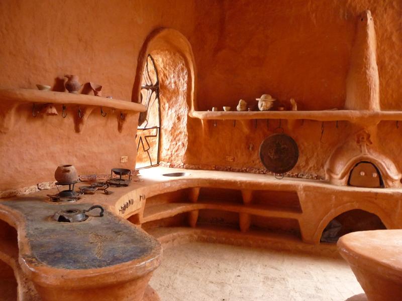 La maison de terre cuite gilanik for Cuisine terre cuite