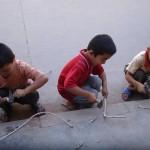 Très jeunes récupérateurs de cuivre à Kashgar ! Chine