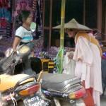 Dans les rues de Banmaw
