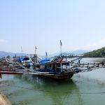 Bateau de pêche à balanciers