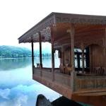 Un lac au Cachemire