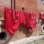 Saris rouges à Kathmandou - Népal