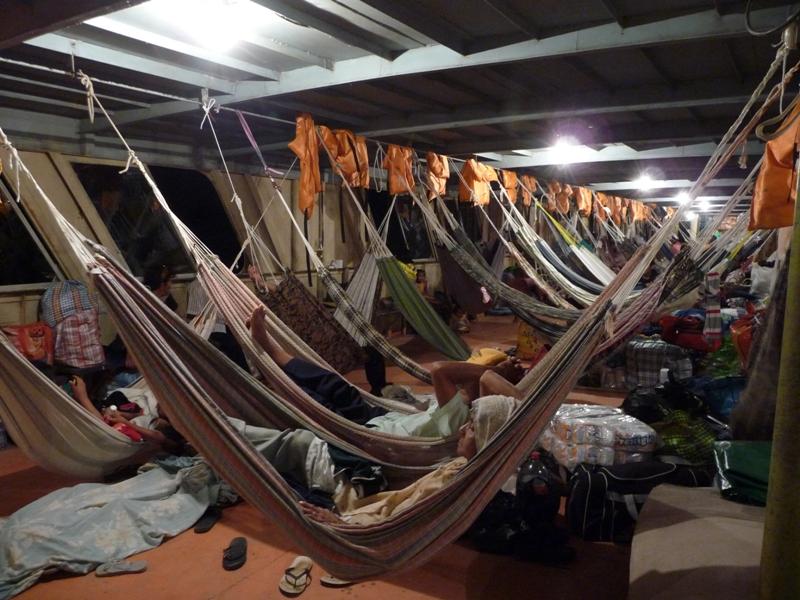 A la nuit tombée, on s'endort dans son hamac pour changer!